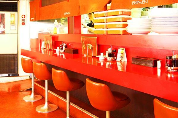 佐世保市 中華料理 牡丹園 1階カウンター席